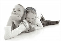 2. plass - *sisters play*