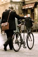 Antatt: Walking the bike