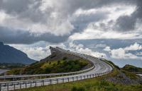 Bridge to heaven! Digital farge-Kulturlandskap/Urban natur. Antatt