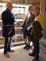 Arne og Steinar i hyggelig samtale med Steinar Fuglestveit